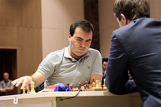 http://es.chessbase.com/Portals/4/files/news/2015/events/baku/mamedayrov03942-.jpg