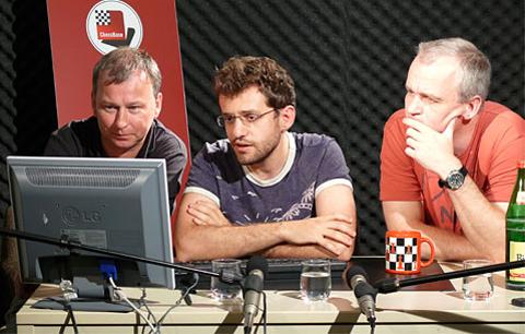 Andre Schulz, Levon Aronian y Oliver Reeh en el estudio de grabaciones de ChessBase