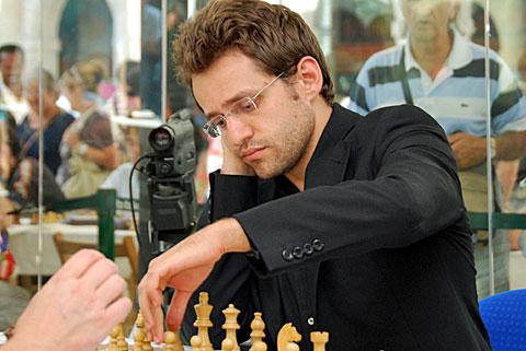 Levon Aronian jugando en Bilbao 2009