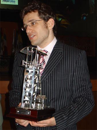 Aronian como vencedor del Torneo Magistral Ciudad de Linares 2008