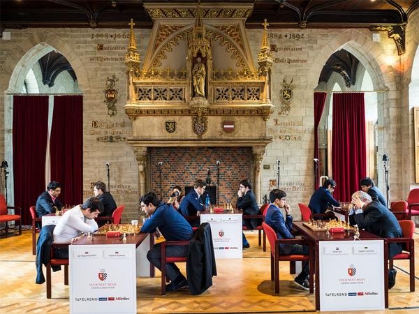 La sala de juego con todos los participantes en Lovaina