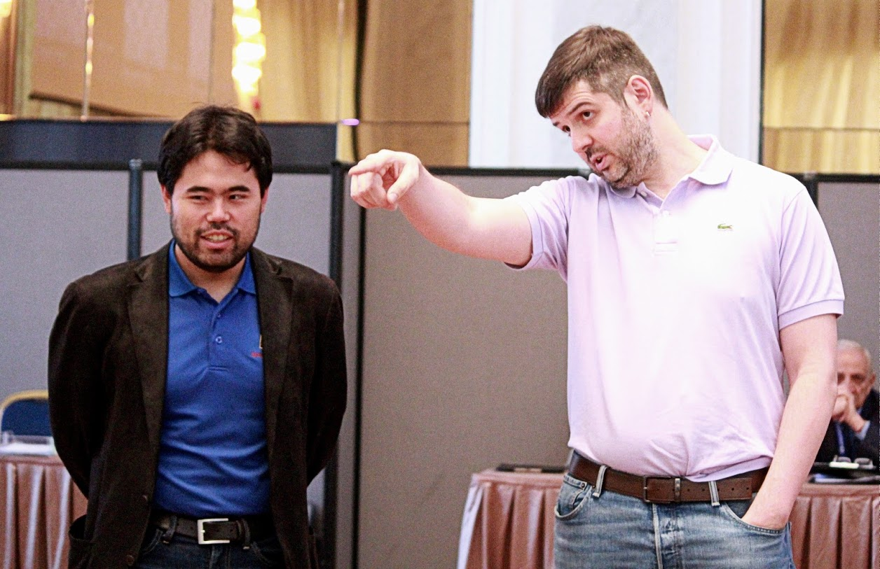 ¿De qué hablarían Nakamura y Svidler are discussing? | Foto: Amruta Mokal